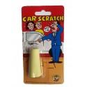 Adhesivo de raya en el coche.