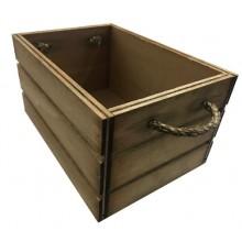 Caja de madera con cuerdas