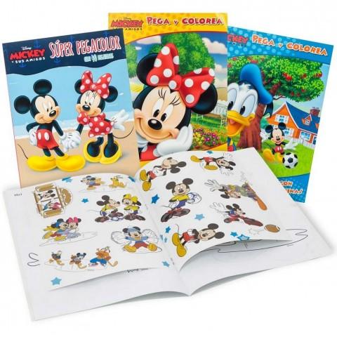 Libro para colorear Disney con 40 pegatinas.